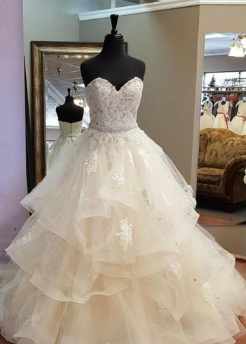 Garden-inspired Wedding Gown with Lace Sweetheart Bodice