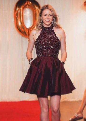 High Neck Burgundy Homecoming Dress Rhinestones Bodice Vestido de coctail