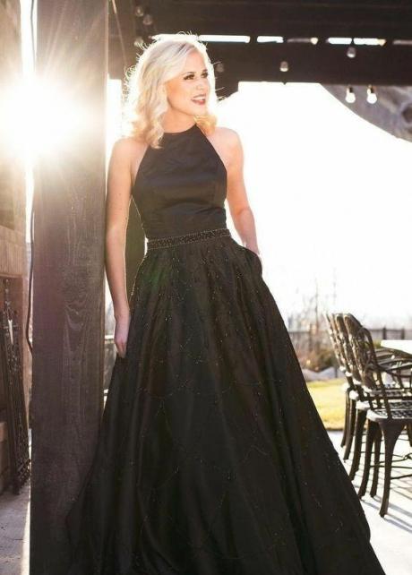 Halter Neckline Satin Black Prom Gown with Beading Skirt