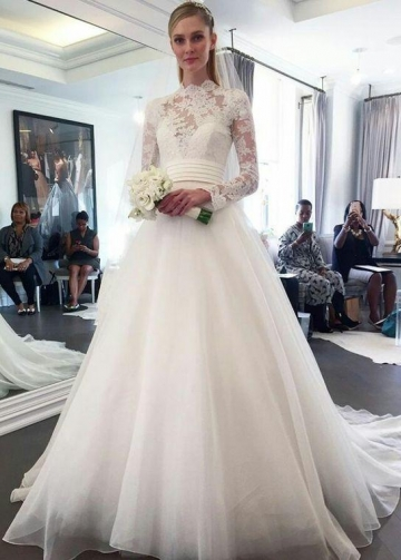 High Neck Lace Long Sleeved Modest Wedding Dresses for Brides