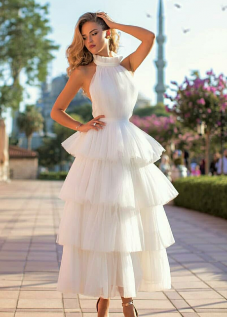 Ivory Tulle Wedding Dresses with Tiered Skirt