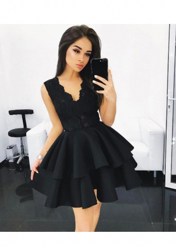 Lace V-neck Bodice Black Homecoming Gown with Tiered Skirt