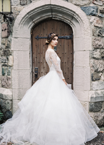 Lace Illusion Neckline Wedding Dress Tulle Horsehair Trim