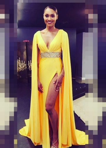 Loose Long Sleeves Yellow Prom Gowns with Beaded Band