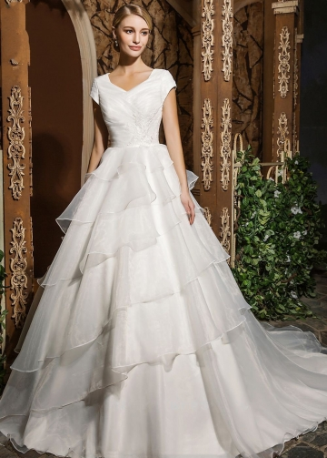 Modest Organza Bridal Gown Dress with Layers Skirt