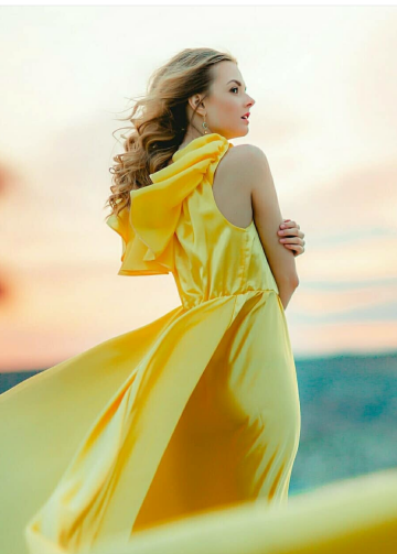 Off-the-shoulder Boho Yellow Evening Dresses with Long Train
