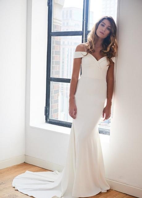 Off-the-shoulder Satin Simple Ivory Wedding Gown Vestido de novia