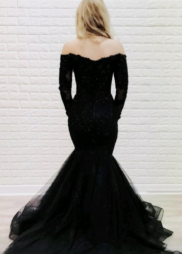 Off-the-shoulder Black Lace Evening Dress Mermaid Style Train