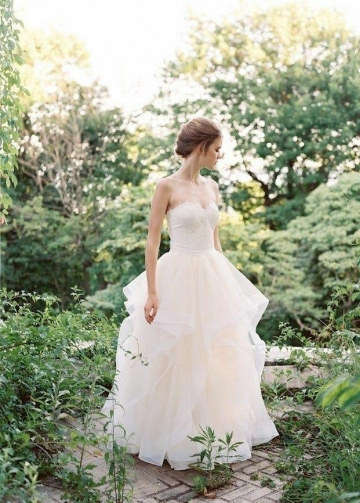 Princess Ballgowns Lace Sweetheart Bridal Dress with Ruffles Skirt