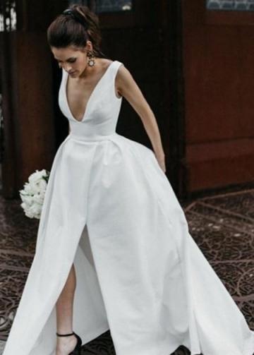 Plunging V-neck White Satin Wedding Dress with Cut Skirt vestido de novia