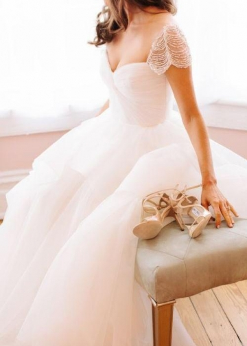 Pearls Cap Sleeves Wedding Dresses with Irregular Tulle Skirt