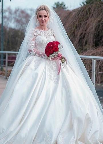 Plus Size Wedding Dress Lace Long Sleeves Satin Skirt