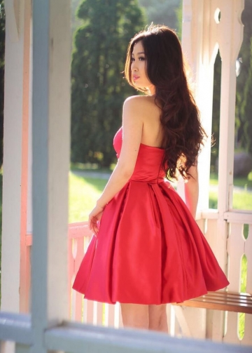 Ruched Sweetheart A-line Satin Red Short Bridesmaid Dress
