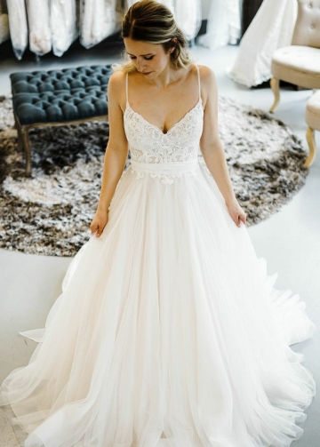 Romantic Princess Style Wedding Dresses with Spaghetti Straps
