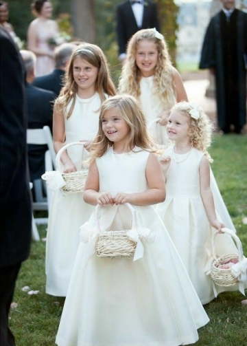 Simple Satin A-line Ivory Flower Girls Dresses Pattern