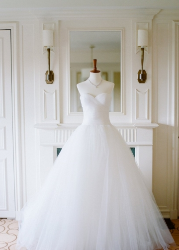 Sweetheart Tulle Ball Gown Backless Bride Wedding Dresses