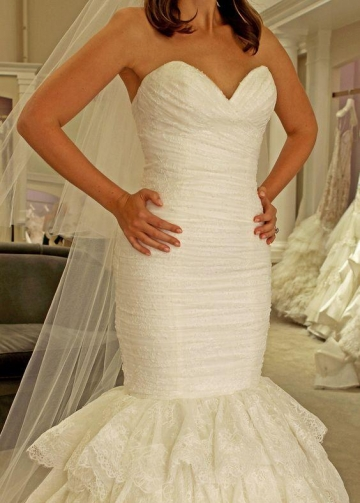 Sweetheart Mermaid Lace Wedding Dress Backless Tiered Skirt