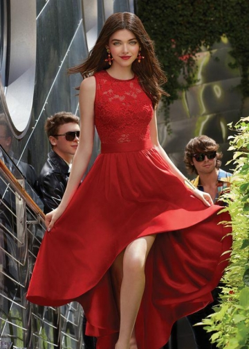 Sleeveless Sheer Jewel Neck Red Lace Hi-lo Prom Dress with Satin Skirt