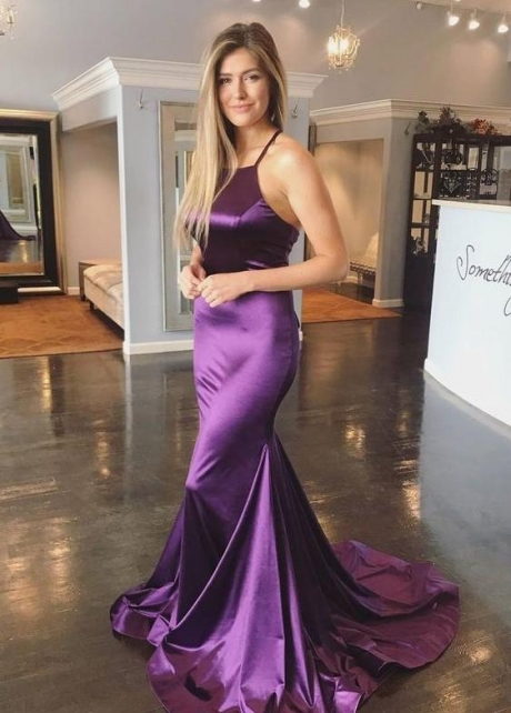 Slim-fitting Purple Long Evening Gown with Halter Neckline