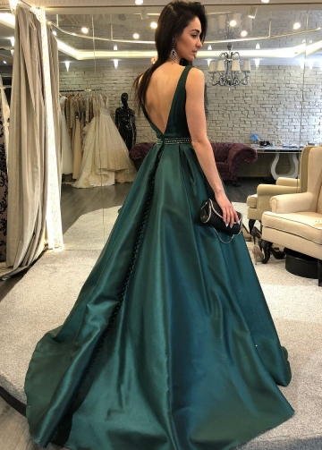 Sleeveless Dark Green Formal Evening Gown with Beaded Belt