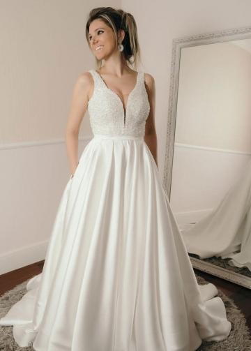 Sleeveless Crystals Ivory Satin Wedding Dresses with Pockets