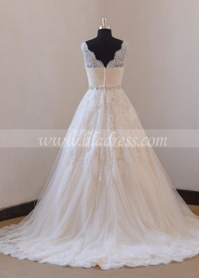 Traditional Lace Tulle Wedding Dresses with Rhinestones Belt