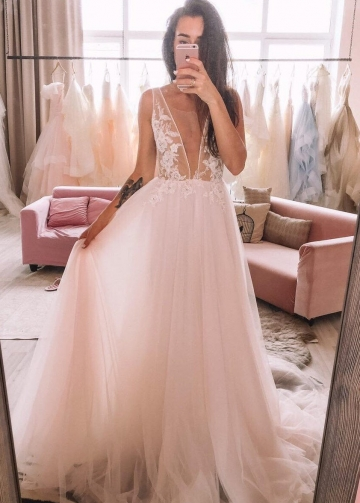 Tulle Beach Wedding Dresses with See-through Lace Bodice