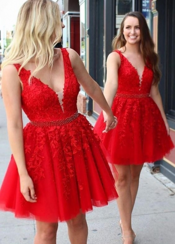 V-neck Red Lace and Tulle Homecoming Gown Dresses Short