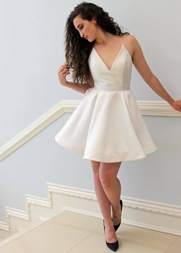 V-neckline Simple Ivory Little Party Dress Cheap vestido de fiesta