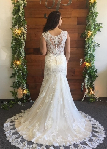 V-neckline Column Wedding Dress Lace Appliques Chapel Train