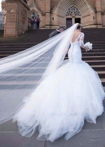 V-neck Lace White Mermaid Wedding Gowns with 3/4 Sleeves