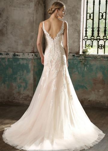 V-neckline Appliques Fit&Flare Bride Dress Champagne Wedding Gowns Online