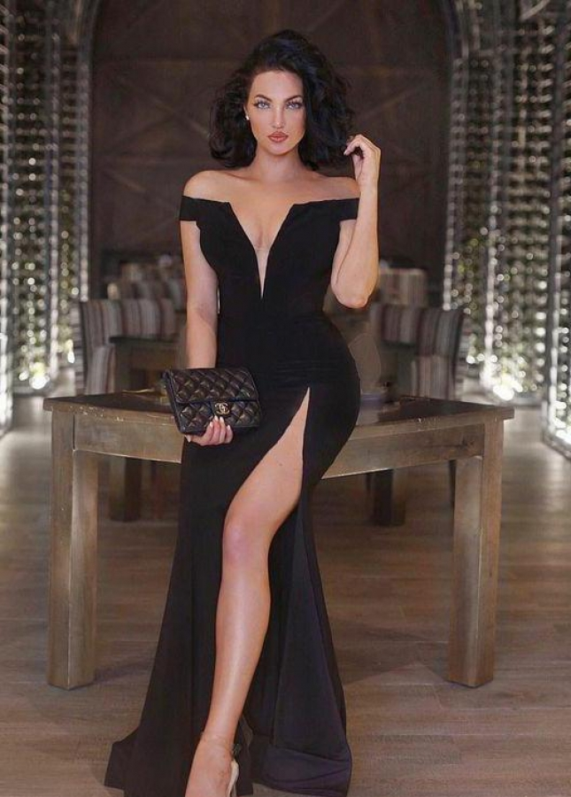 V-neckline Side Slit Black Maxi Long Dress for Prom