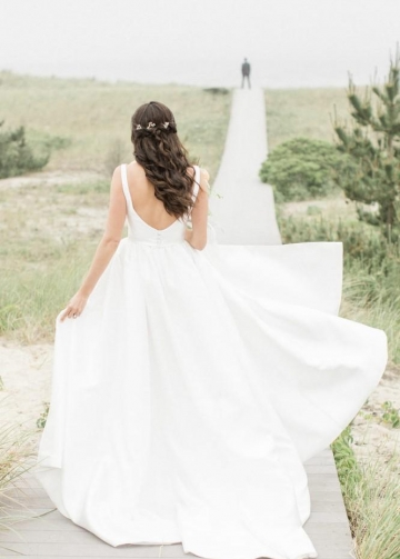 V-neckline Satin Boho Wedding Dresses for Summer