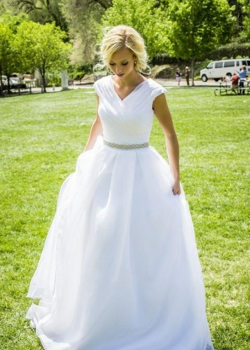 V-neckline White Organza Wedding Dress with Rhinestones Belt