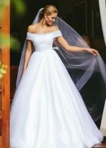 White Tulle A-line Wedding Dresses Off-the-shoulder